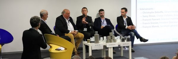 """Table-ronde """"Les industriels s'engagent"""". de g. à d. : François Marois (Eqiom), Francis Grenier  (Nord'Asphalte) François Foucart (Baudelet), Samy Dreux (Ecocem), Christophe Deboffe (Neo Eco)"""